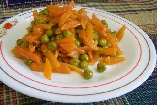 Как консервировать зеленый горошек вместе с морковкой на зиму