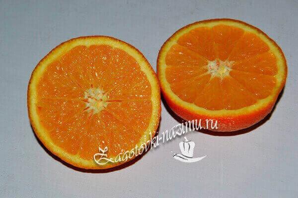 апельсин помыть, цедру натереть на терке, из мякоти выжать сок