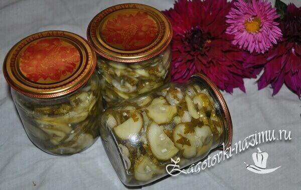 салат Нежинский с огурцами