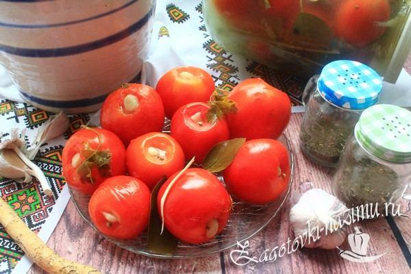 Рецепт малосольных помидор с чесноком
