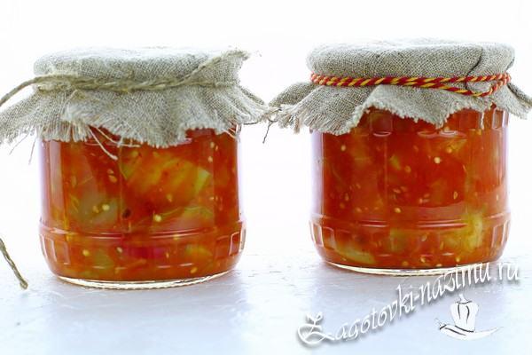 Салат из кабачков и баклажанов с томатным соусом