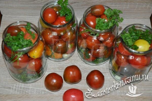 Сложите в банки помидоры