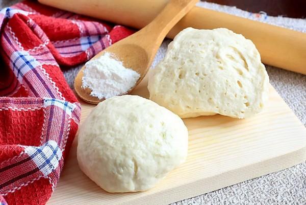 как хранить дрожжевое тесто в холодильнике после поднятия