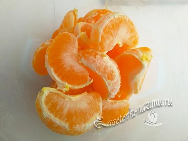 очистить мандарины