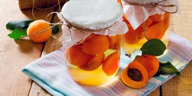 Компот из абрикосов на зиму - простой рецепт на 3 литровую банку