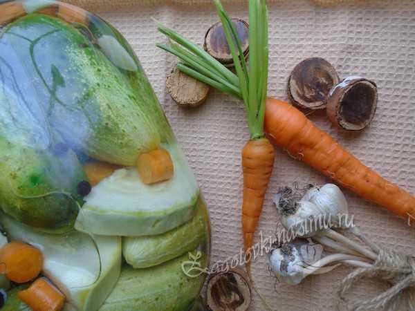 Маринованные огурцы с кабачками - рецепт на зиму, хрустящие