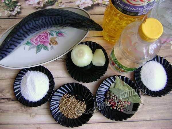 подготовить ингредиенты для маринованной скумбрии